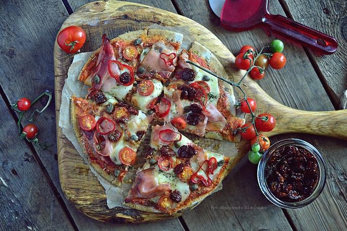 Pizza bezglutenowa z samymi pysznymi dodatkami :-)