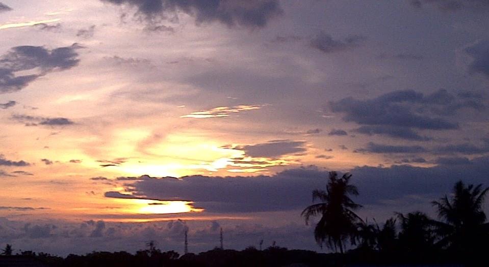 Lukisan Pemandangan Langit Sore Jelang Senja 1  Dunia