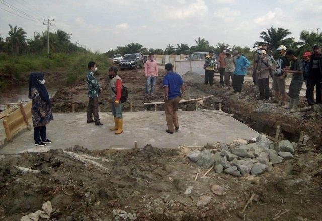 Warga Protes Galian Jalan Kabupaten di Desa Wonosari, DPRD Mesuji Turun Tangan