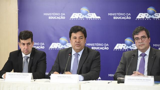 Resultado de imagem para MINISTRO MENDONÇA FILHO CONCEDE REAJUSTE NO PISO SALARIAL DOS PROFESSORES ACIMA DA INFLAÇÃO