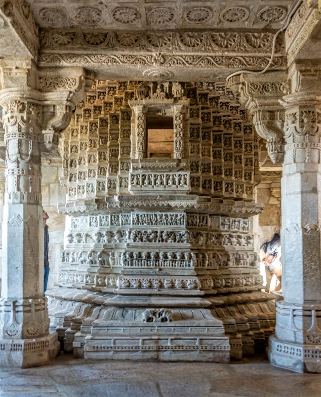 The incomplete pillar of Ranakpur Jain temple