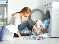 Sebaiknya Pertimbangkan Tidak Memakai Deterjen Biasa untuk Mencuci Baju Bayi
