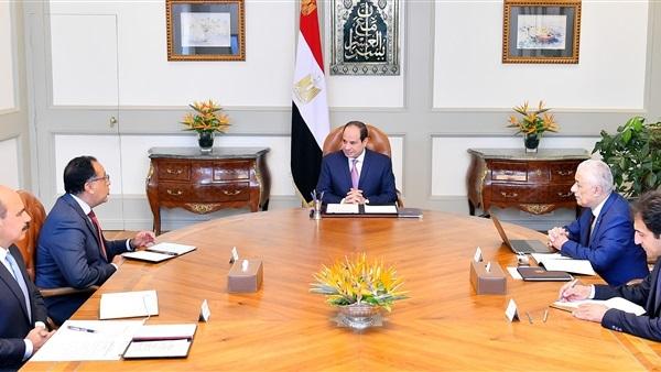 """""""الرئيس السيسي"""" يحسم الجدل فى اجتماعه بوزير التربية والتعليم"""