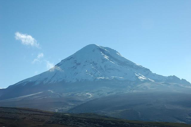 Chimborazo_from_west