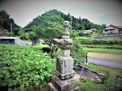 品川大膳の墓(島根県益田市美都町仙道)