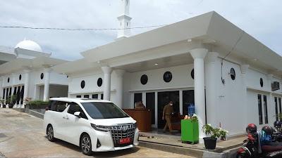 Helmi Hasan, satu satunya Kepala Daerah yang Berkantor di Masjid