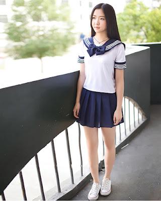 Paha mulus dan imut seragam sekolah siswi Jepang