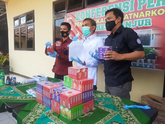 Polisi Bekuk 1 Orang Pelaku Produsen Miras Oplosan Di Cianjur