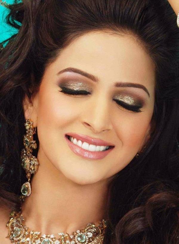 bikini Pakistani actress