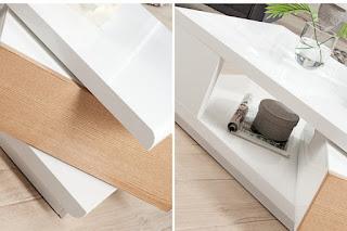 Stolek do obývaku v bílej barve v kombinaci s dubem.