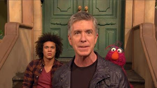 Johnny Gotcha, Tom Bergeron, Telly, Mando, Sesame Street Episode 4412 Gotcha season 44