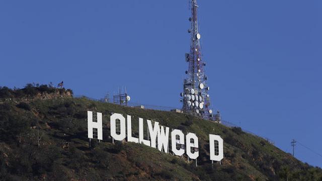 "Hari pertama di tahun 2017, Minggu, 1 januari 2017 ada seseorang yang mengubah tulisan ""Hollywood"" menjadi 'Hollyweed,'"
