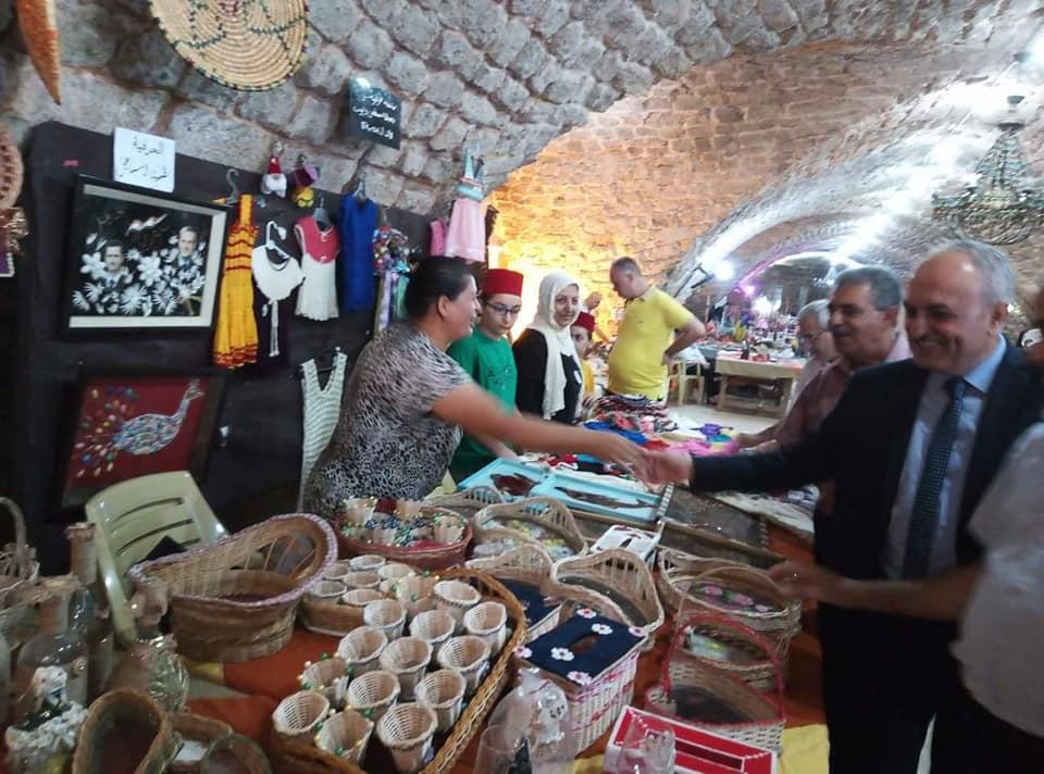 سورية التاريخ والحضارة على صالة ارض المعارض في طرطوس القديمة