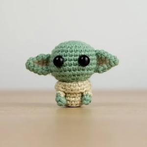 Monty the Giraffe Crochet stuffie CUSTOM COLOR by LoveDincy ... | 300x300
