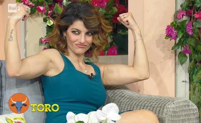 Samanta Togni mostra i muscoli i fatti vostri 17 maggio