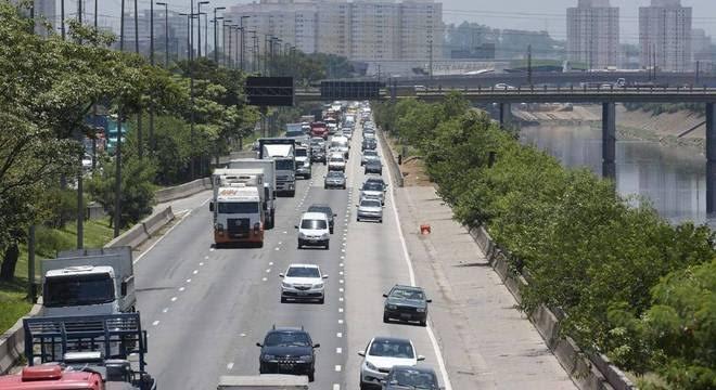 Motoristas de veículos com placas finais 7 e 8 que não pagaram IPVA serão notificados pelo Governo de SP