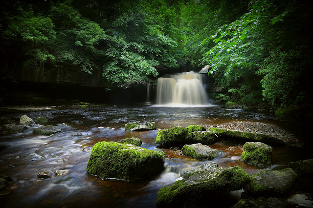 west burton waterfall, best waterfalls in the yorkshire dales, walks in yorkshire, aysgarth falls