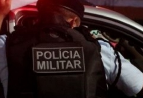 Policiais disparam contra carro e atingem criança de 10 anos e dois adultos no interior do Ceará