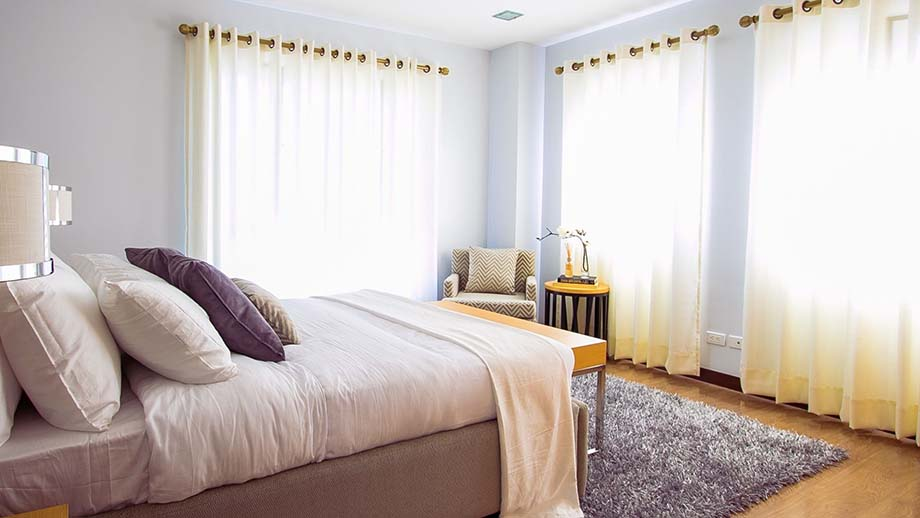 7 Best Points in Decorating Ideas for the Bedroom, bright windows curtain