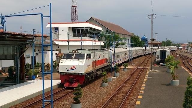 Daftar Harga Tiket Kereta Api Sebelum Melakukan Perjalanan Kebeberapa Daerah di Indonesia