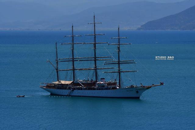Το ιστορικό ιστιοφόρο «Sea Cloud» έριξε άγκυρα Ναύπλιο (βίντεο)
