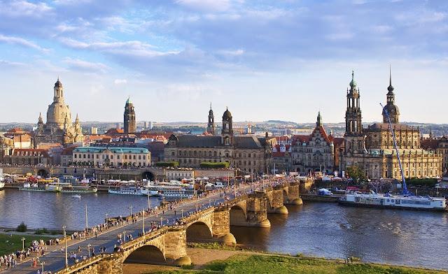 Alugar um carro em Dresden