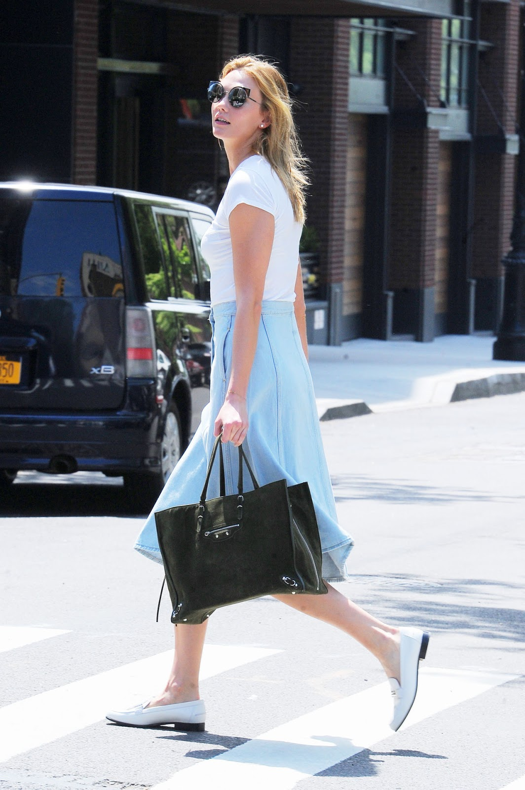 Karlie Kloss Perfects Preppy Style in the West Village