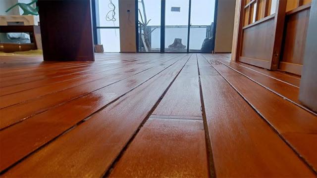 lantai kayu solid sangat cocok untuk iklim di Indonesia
