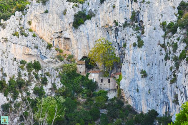 Eremitorio Saint-Antonie en las gargantas de Galamus, Francia