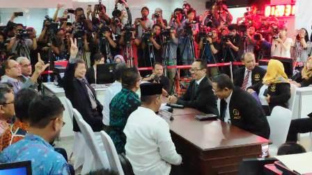 Resmi, Tim Hukum Prabowo-Sandi Sengketakan Hasil Pilpres 2019