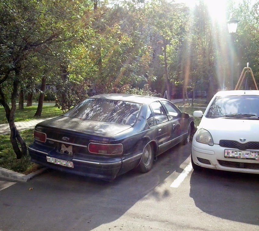 Spotted   cars in Moscow: 4th-Gen Chevrolet Caprice Classic