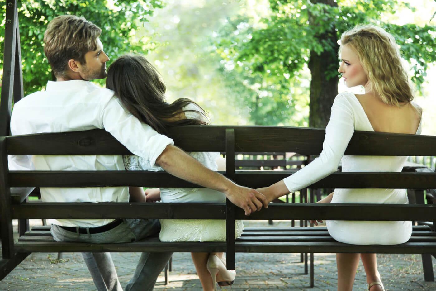 5 Cara Mengatasi Pasangan agar Tidak Selingkuh