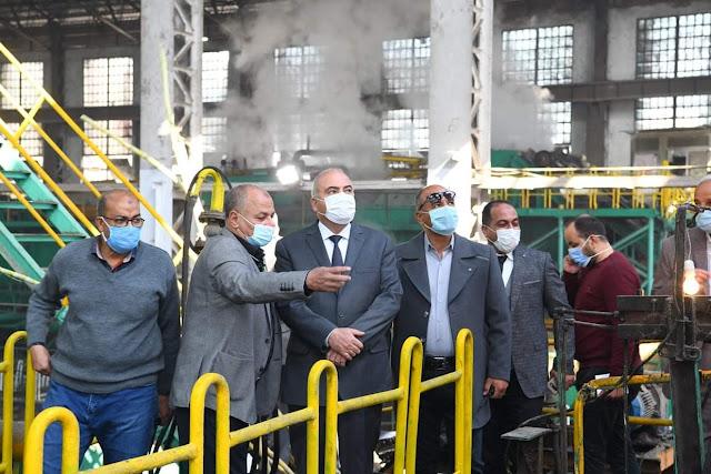 محافظ قنا يشهد بدء تشغيل موسم عصير القصب الجديد بمصنع سكر قوص