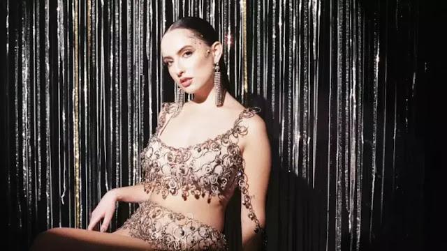 """La cantante chileno-peruana Shirel estrena el videoclip de """"Duele"""""""