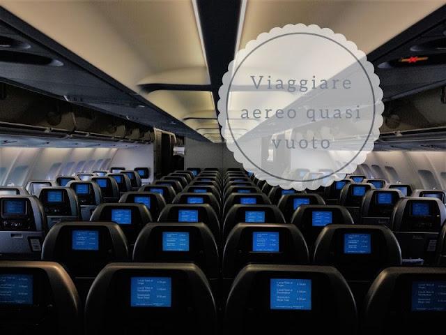 I vantaggi di viaggiare su un aereo quasi vuoto