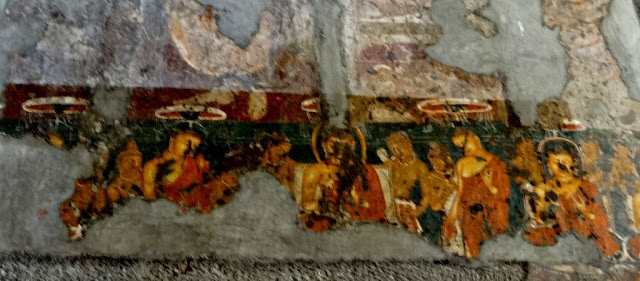 Paintings of Ajanta cave number 10 - Buddha is attended by the 6 Buddhas from past