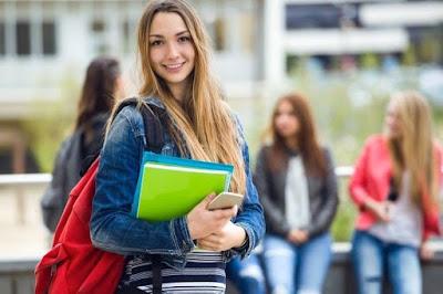 Khusus Mahasiswa Ngekost, Ini Trik Menghemat Uang Bulanan yang Patut Dicoba!