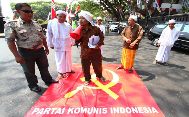 Isu TKA Cina dan PKI Digodok untuk Mensuriahkan Indonesia