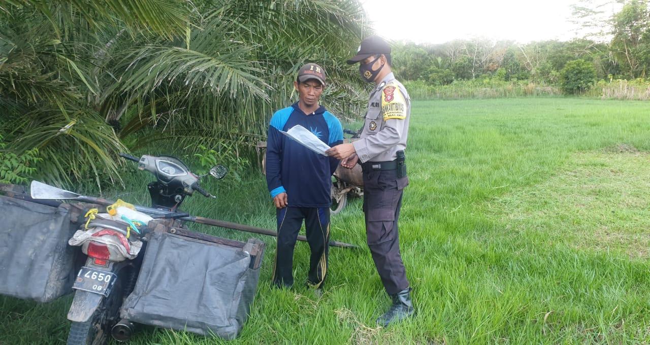 Brigadir Arif Widodo Berikan Edukasi Cegah Karhutla ke Warga