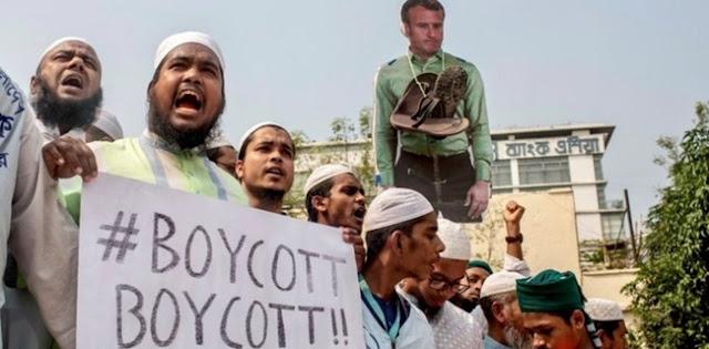 Anti-Prancis, Puluhan Ribu Demonstran Bangladesh Bakar Patung Presiden Emmanuel Macron