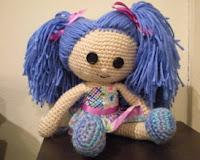 http://patronesamigurumis.blogspot.com.es/2013/02/patron-muneca.html