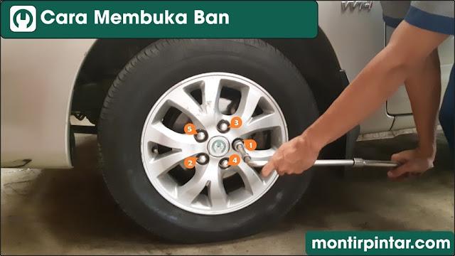 Cara membuka ban mobil