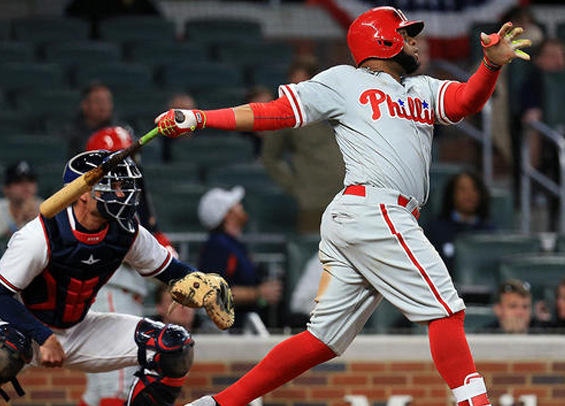 Carlos Santana sac-fly lifts Philadelphia past Atlanta