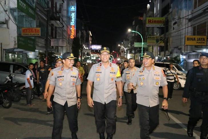 Kombes Pol Ibrahim Tompo, Wakapolda Sulsel Pantau dan Cek Keamanan Klenteng di Makassar  Jelang Imlek