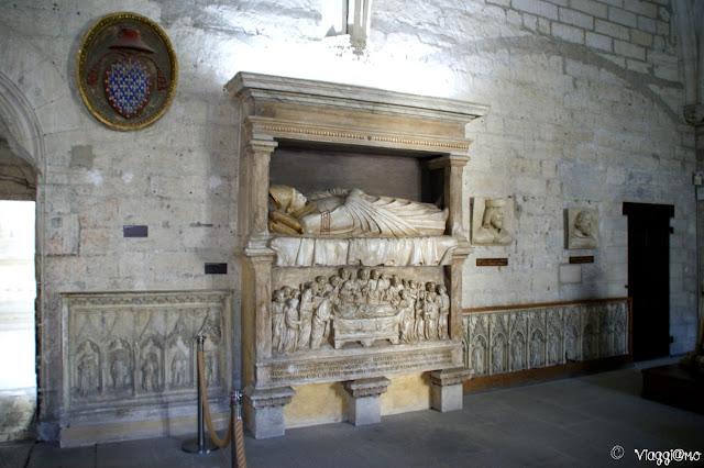 Gli interni del Palazzo dei Papi di Avignone