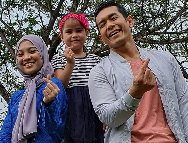 Saksikan Drama Kebaya Kasut Kanvas Di TV3 Atau Strim Online Secara Percuma
