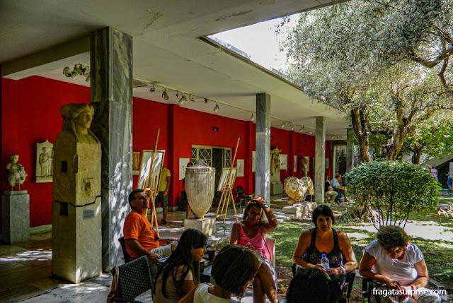 Jardim interno do Museu Nacional de Arqueologia de Atenas, Grécia