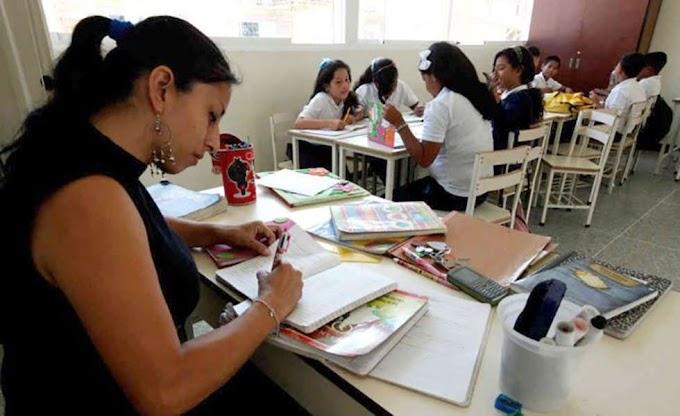 Docentes venezolanos buscan colegiatura para poder enseñar en las regiones del Perú