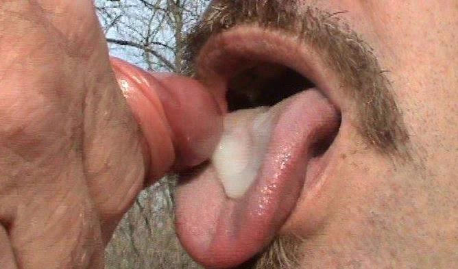 Gays who love to eat cum