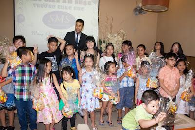 SMS trao quà cho các bé nhân dịp quốc tế thiếu nhi 01-06